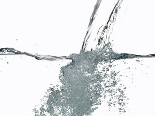 Alkaline_ionized_water_pouring